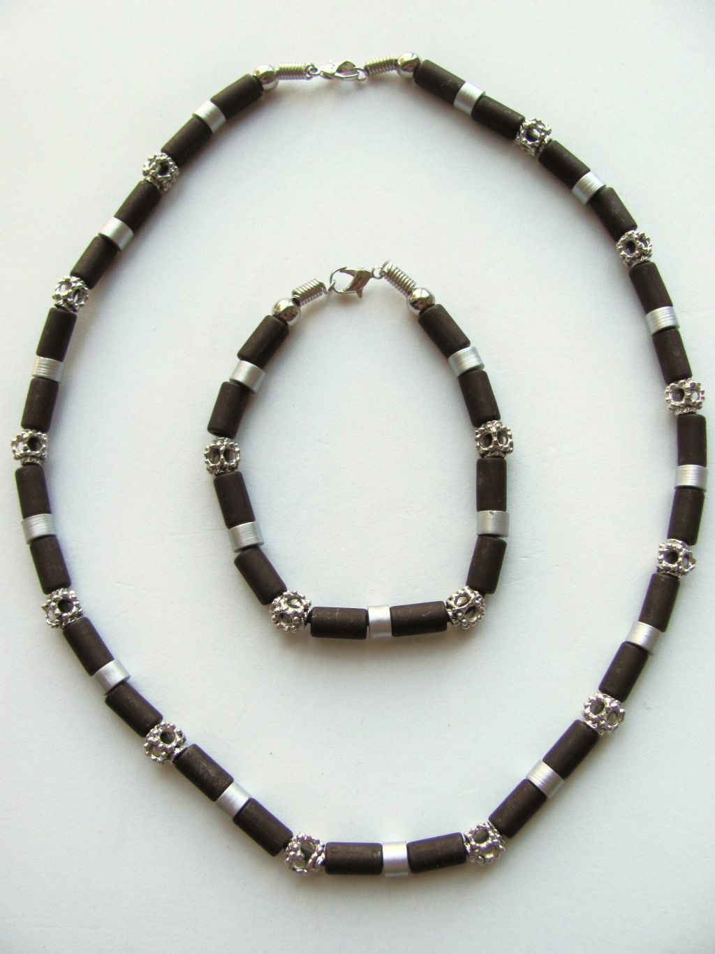 daytona two tone brown surfer beaded necklace